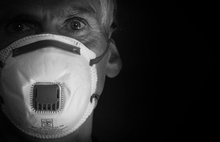 マスクはコロナウィルスに有効なのか
